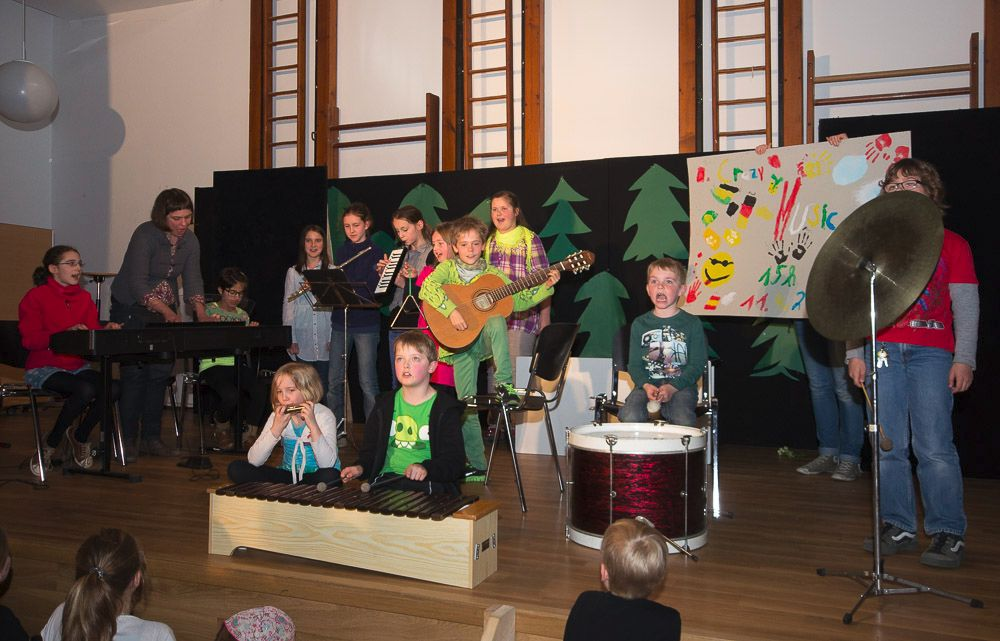 Die Kinder der Werkstatt Musik bei ihrem Kurzauftritt.