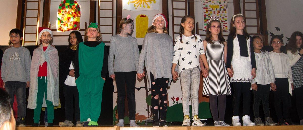 Musical_Dornroeschen-2x-wach_DSC09151-web