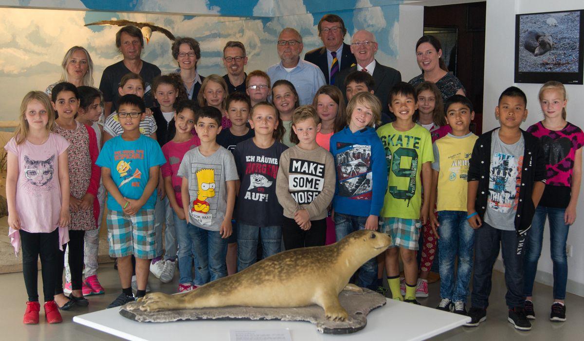 aquarium-seehunde-4b_dsc00494-4b-spendenuebergaberotary-web
