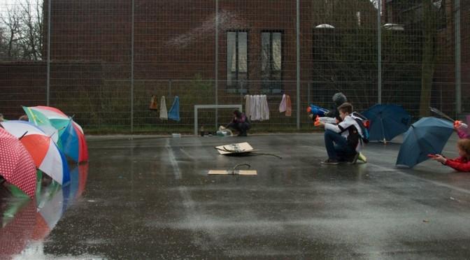 Theaterfabrik 5: Wasserschlacht im Regen
